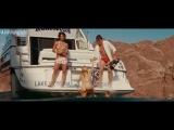 Сиськи и попка Райли Стил (Riley Steele)  после купания в фильме Пираньи 3D (Piranha 3D, 2010)